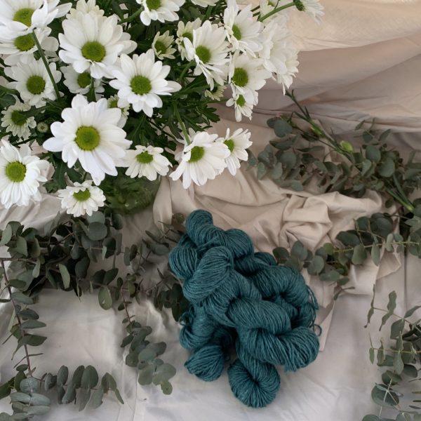 Alpaca yarn 4ply hand dyed teal